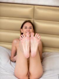 Sade Mare - Sexy Teen Legs Pics 03