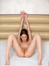 Sade Mare - Sexy Teen Legs Pics 04