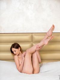 Sade Mare - Sexy Teen Legs Pics 20