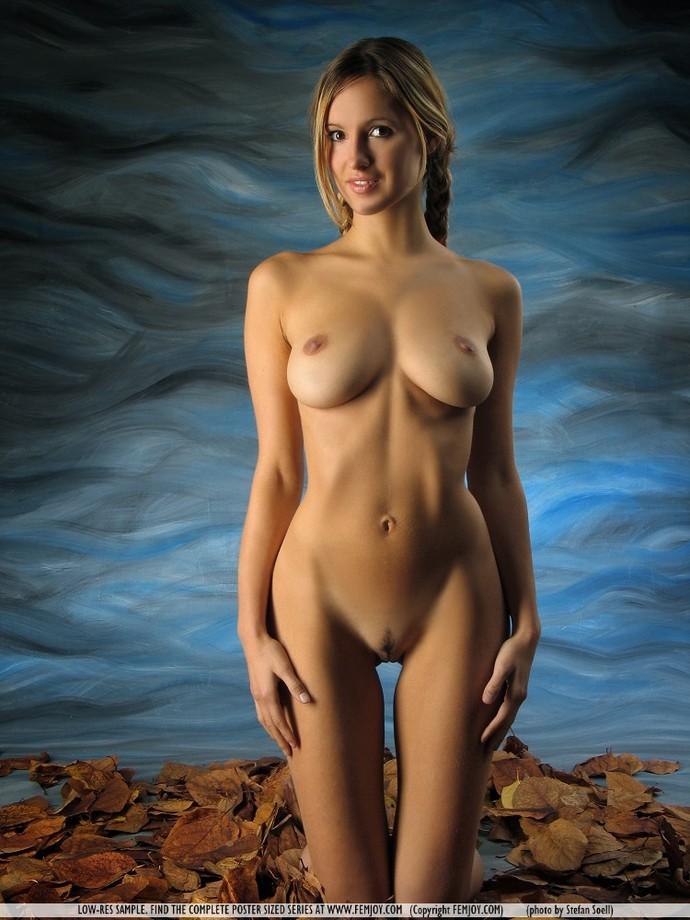 Corina naked — photo 7